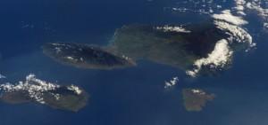 Maui, Lānaʻi, and Kaho'olawe as seen from space. (Credit: Astronaut Rex Walheim of NASA, 2008)